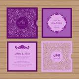 Γαμήλια πρόσκληση ή ευχετήρια κάρτα με τη διακόσμηση λουλουδιών Απεικόνιση αποθεμάτων