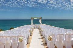 Γαμήλιες διακοσμήσεις στο βράχο Nossa Senhora Armacao de Pera Στοκ φωτογραφία με δικαίωμα ελεύθερης χρήσης