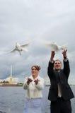γαμήλιες νεολαίες ζευγών Στοκ φωτογραφία με δικαίωμα ελεύθερης χρήσης