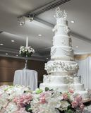 Γαμήλιο κέικ στη γαμήλια τελετή Στοκ φωτογραφίες με δικαίωμα ελεύθερης χρήσης