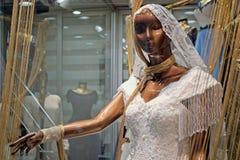 Γαμήλιο φόρεμα για την πώληση στο μεγάλο Bazaar στη Ιστανμπούλ Στοκ Φωτογραφίες