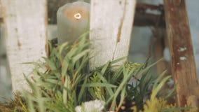 Γαμήλια ανθοδέσμη εκτός από ένα κερί απόθεμα βίντεο
