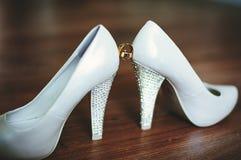 Γαμήλια δαχτυλίδια με τον κόκκινο χρυσό Στοκ φωτογραφίες με δικαίωμα ελεύθερης χρήσης