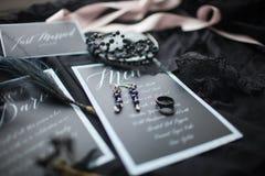Γαμήλια εκτύπωση ντεκόρ ανασκόπησης κομψότητας καρδιών θερμός γάμος συμβόλων πρόσκλησης ρομαντικός μαύρο λευκό στοκ φωτογραφίες