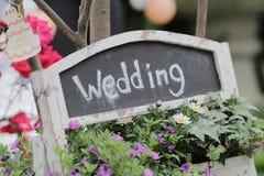 Γαμήλια ετικέτα σε έναν πίνακα κιμωλίας Στοκ Φωτογραφία