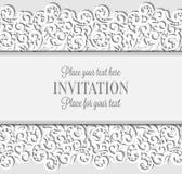 Γαμήλια κάρτα με το πλαίσιο δαντελλών εγγράφου, δαντελλωτός doily Στοκ φωτογραφία με δικαίωμα ελεύθερης χρήσης