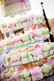 Γαμήλια κέικ/Cupcakes Στοκ εικόνες με δικαίωμα ελεύθερης χρήσης