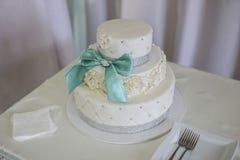 Γαμήλια κέικ Wite Υψηλή οξύτητα Στοκ Εικόνες