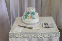 Γαμήλια κέικ Wite Υψηλή οξύτητα Στοκ Φωτογραφία