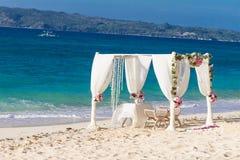 Γαμήλια οργάνωση, τροπική υπαίθρια δεξίωση γάμου, beauti Στοκ Εικόνα