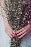 Γαμήλια λουλούδια εκμετάλλευσης νυφών Στοκ Εικόνες