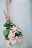 Γαμήλια λουλούδια εκμετάλλευσης νυφών Στοκ Εικόνα