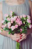 Γαμήλια λουλούδια εκμετάλλευσης παράνυμφων Στοκ εικόνα με δικαίωμα ελεύθερης χρήσης