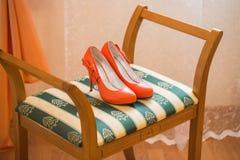 Γαμήλια παπούτσια κοραλλιών στοκ εικόνα