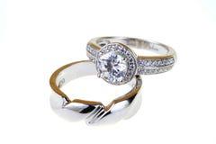 γαμήλιο λευκό δαχτυλιδιών ανασκόπησης ανοιχτό Στοκ Φωτογραφίες