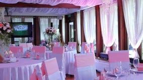 Γαμήλιο ντεκόρ στο εστιατόριο φιλμ μικρού μήκους