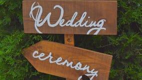 Γαμήλιο ξύλινο σημάδι απόθεμα βίντεο