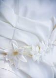 Γαμήλιο φόρεμα με με τα σχέδια Στοκ φωτογραφία με δικαίωμα ελεύθερης χρήσης