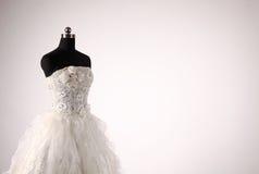 Γαμήλιο φόρεμα Στοκ φωτογραφία με δικαίωμα ελεύθερης χρήσης