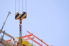 Γαντζωμένος γερανός στοκ φωτογραφία με δικαίωμα ελεύθερης χρήσης