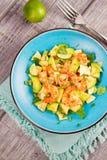 Γαρίδες, αβοκάντο και σαλάτα της Apple Στοκ εικόνα με δικαίωμα ελεύθερης χρήσης