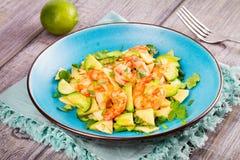 Γαρίδες, αβοκάντο και σαλάτα της Apple Στοκ Φωτογραφίες