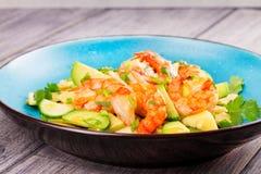 Γαρίδες, αβοκάντο και σαλάτα της Apple Στοκ Εικόνα