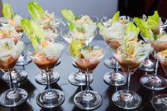 Γαρίδες κοκτέιλ με τη σάλτσα Salsa Στοκ εικόνες με δικαίωμα ελεύθερης χρήσης