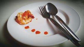 Γαρίδες Dilicious στο πιάτο για να εξυπηρετήσει έτοιμο να φάει Στοκ φωτογραφίες με δικαίωμα ελεύθερης χρήσης