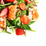 Γαστρονομικά τρόφιμα, σαλάτα με το σολομό Στοκ Φωτογραφίες