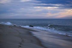 Γαλήνιοι ουρανοί επάνω από τον ωκεανό Στοκ Φωτογραφίες