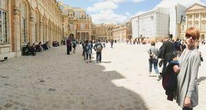 Γαλλία, Βερσαλλίες - 17 Ιουνίου 2011: γυναίκες μέσα Στοκ Εικόνες