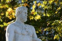Γαλλία, μαρμάρινο άγαλμα στο πάρκο παλατιών των Βερσαλλιών Στοκ Φωτογραφία