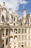 Γαλλία Μια από τις προσόψεις της συντήρησης, που αγνοούν το προαύλιο του κάστρου Chambord, 1519 - 1547 έτη Κατάλογος της ΟΥΝΕΣΚΟ Στοκ εικόνα με δικαίωμα ελεύθερης χρήσης
