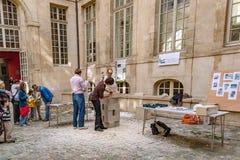 Γαλλία Παρίσι Τον Απρίλιο του 2016 Circa Έκθεση του γλύπτη πετρών artisans Στοκ φωτογραφία με δικαίωμα ελεύθερης χρήσης