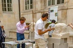 Γαλλία Παρίσι Τον Απρίλιο του 2016 Circa Έκθεση του γλύπτη πετρών artisans Στοκ εικόνες με δικαίωμα ελεύθερης χρήσης