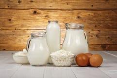 Γαλακτοκομικά προϊόντα (γάλα, τυρί εξοχικών σπιτιών, γιαούρτι, ξινή κρέμα) και π.χ. στοκ φωτογραφίες με δικαίωμα ελεύθερης χρήσης