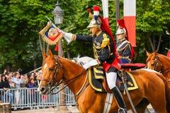 Γαλλικές δημοκρατικές φρουρές κατά τη διάρκεια του εθιμοτυπικού της γαλλικής εθνικής μέρας στις 14 Ιουλίου 2014 στο Παρίσι, Champ Στοκ Εικόνες
