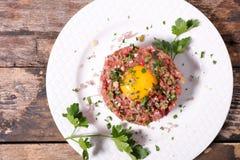 Γαλλική γαστρονομία, μπριζόλα tartare στοκ εικόνες