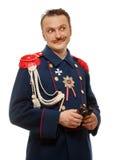 Γαλλικός γενικός με τις όμορφες διόπτρες εκμετάλλευσης mustache Στοκ Φωτογραφίες