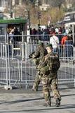 Γαλλικός στρατιωτικός σε μια οδό του Παρισιού Στοκ εικόνες με δικαίωμα ελεύθερης χρήσης