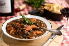 Γαλλικό βόειο κρέας bourguignon στοκ φωτογραφίες