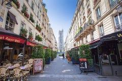 Γαλλικό εστιατόριο στο Παρίσι Στοκ εικόνες με δικαίωμα ελεύθερης χρήσης