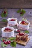 Γαλλικό κέικ Clafoutis κερασιών Στοκ Εικόνα