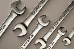 Γαλλικό κλειδί, λειτουργώντας γαλλικό κλειδί, μέταλλο γαλλικών κλειδιών, σύνολο γαλλικών κλειδιών, επισκευή, εργαλεία Στοκ Φωτογραφία