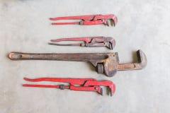Γαλλικό κλειδί σωλήνων βαριά - χρησιμοποιημένο γαλλικό κλειδί σωλήνων Στοκ εικόνες με δικαίωμα ελεύθερης χρήσης