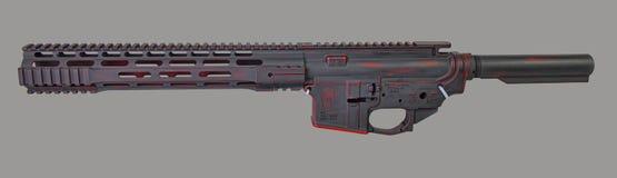 Γδυμένος AR15 ανώτερος, χαμηλότερος, σωλήνας απομονωτών και handguard χρωματισμένος με φορεμένη τη μάχη πορφυρή βάση με ένα γκρίζ στοκ εικόνα με δικαίωμα ελεύθερης χρήσης
