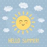 Γειά σου θερινή κάρτα με έναν χαριτωμένο ήλιο Στοκ Εικόνες