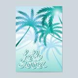 Γειά σου καλοκαίρι Τυπογραφικό υπόβαθρο θάλασσας με τους φοίνικες Στοκ φωτογραφία με δικαίωμα ελεύθερης χρήσης