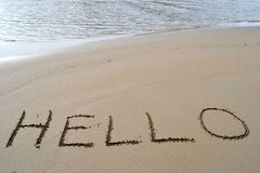 γειά σου λέξη άμμου γραπτή Στοκ φωτογραφία με δικαίωμα ελεύθερης χρήσης